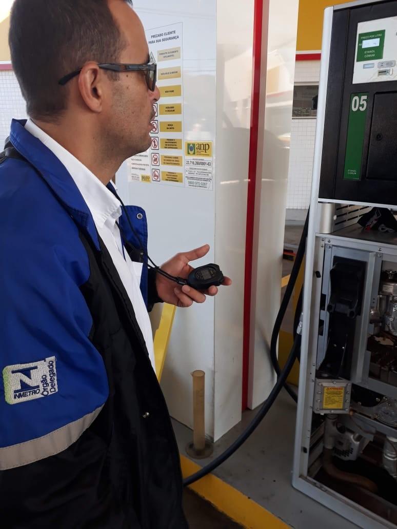Ipem reprova 341 bombas de combustíveis em Maringá e região