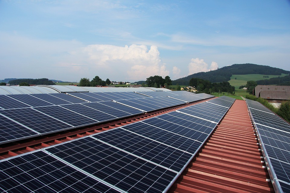 Cientistas desenvolvem nova célula solar com eficiência de 44,5%