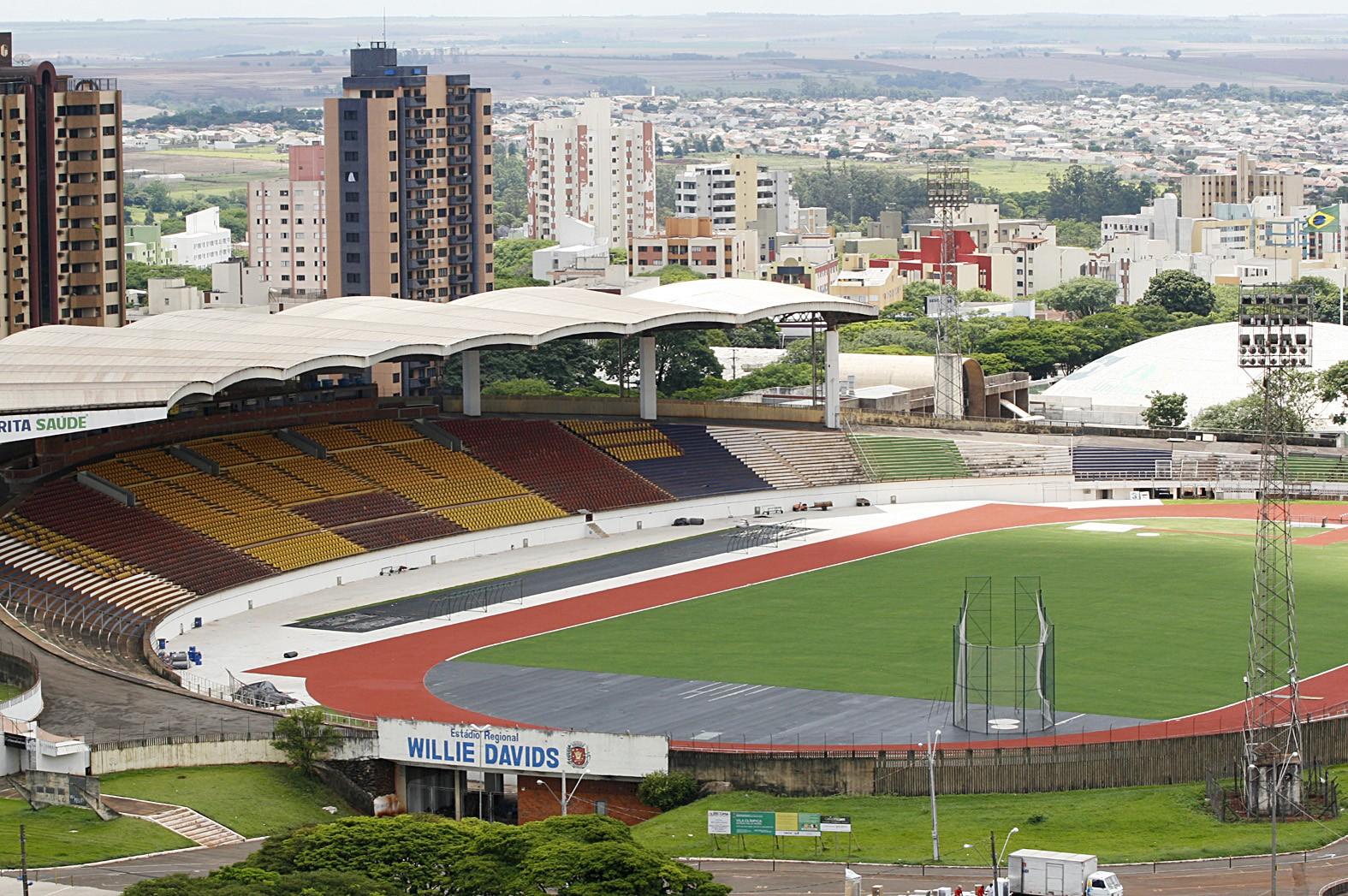 Maringá FC e Ferroviária se enfrentam nesse sábado (18)