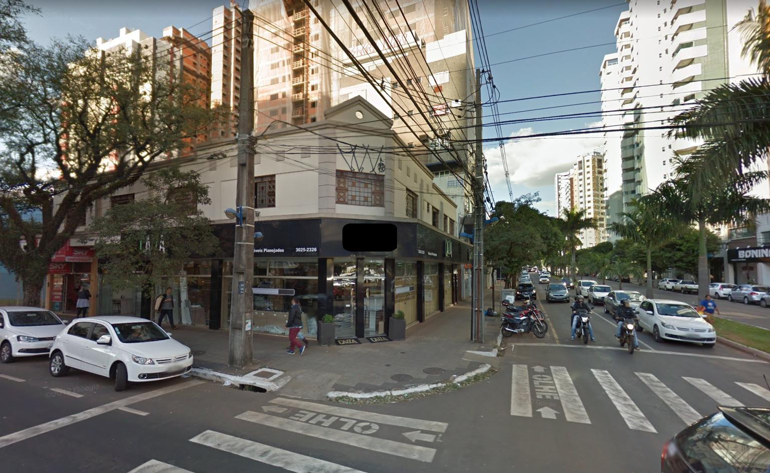 Em janeiro, motoristas derrubaram quase um poste por dia em Maringá