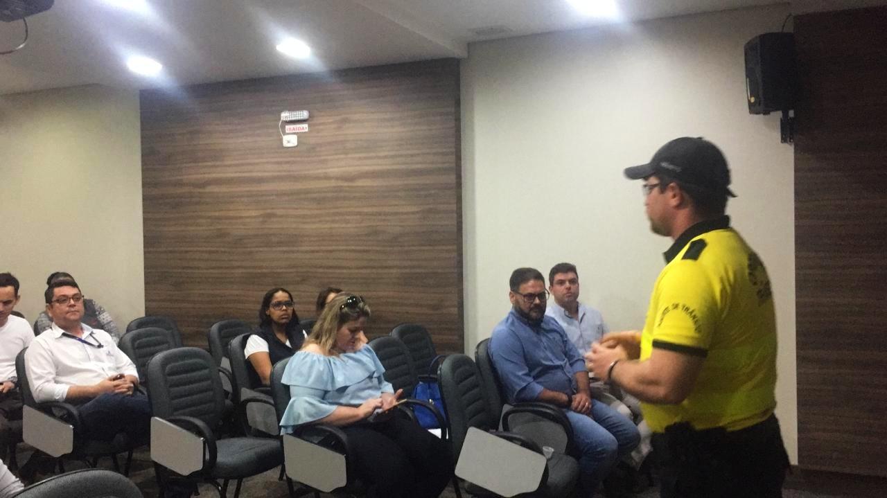 Secretaria de Segurança se reúne com imobiliárias para buscar solução