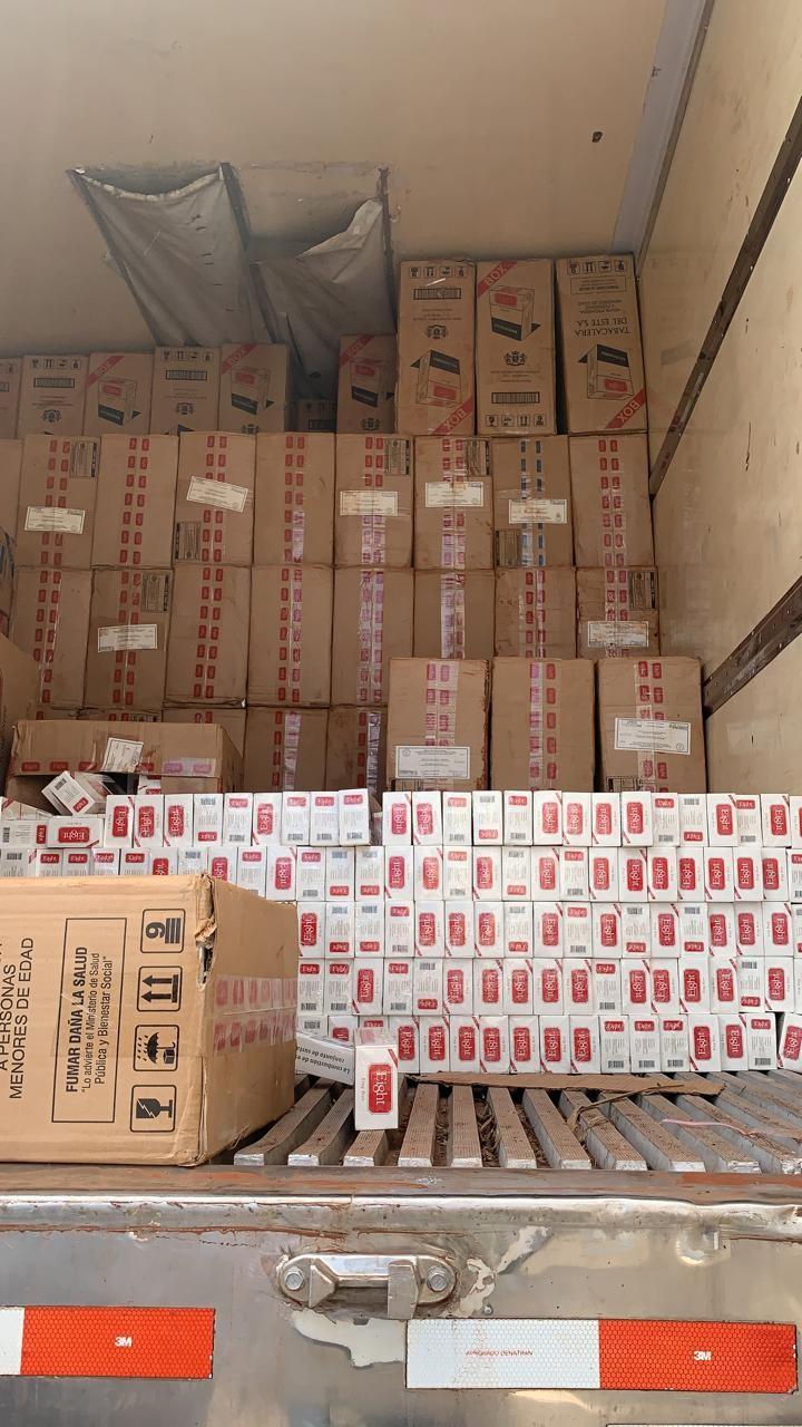 PF apreende contrabando de cigarros em caminhão frigorífico