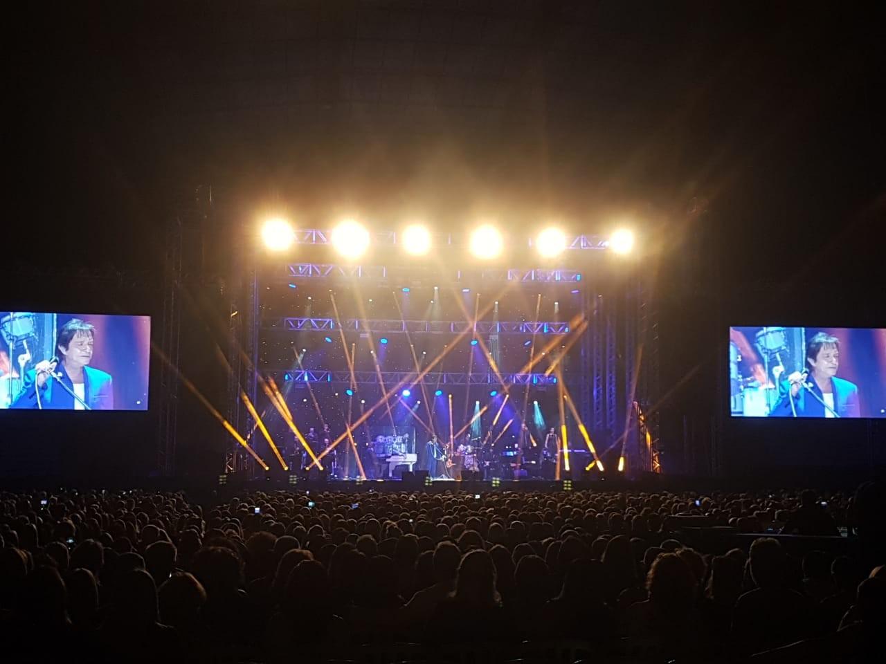 Em Maringá, Roberto Carlos apresenta show repleto de clássicos