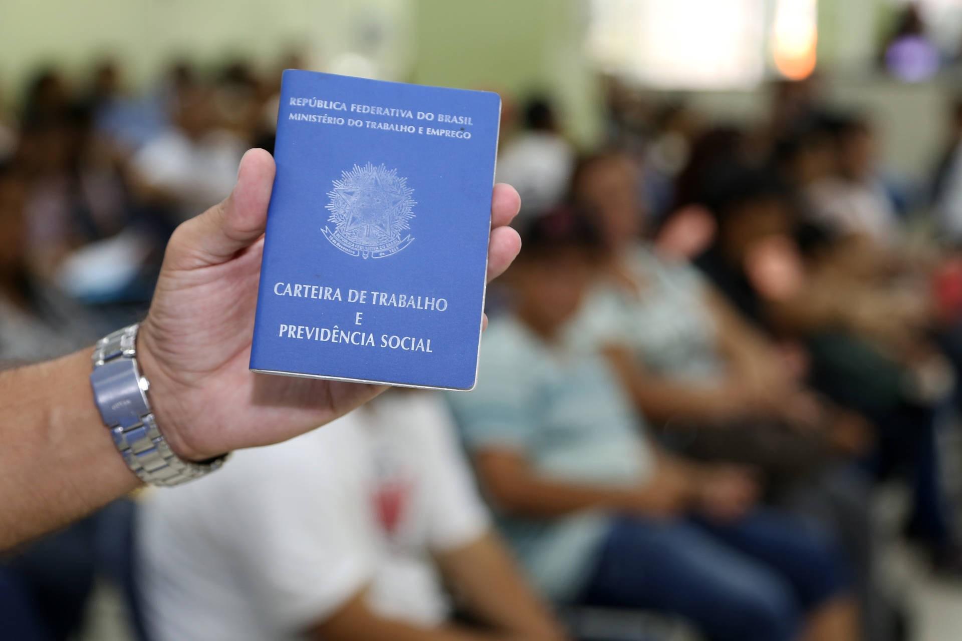 Agência do Trabalhador de Maringá oferta 100 novas vagas de emprego