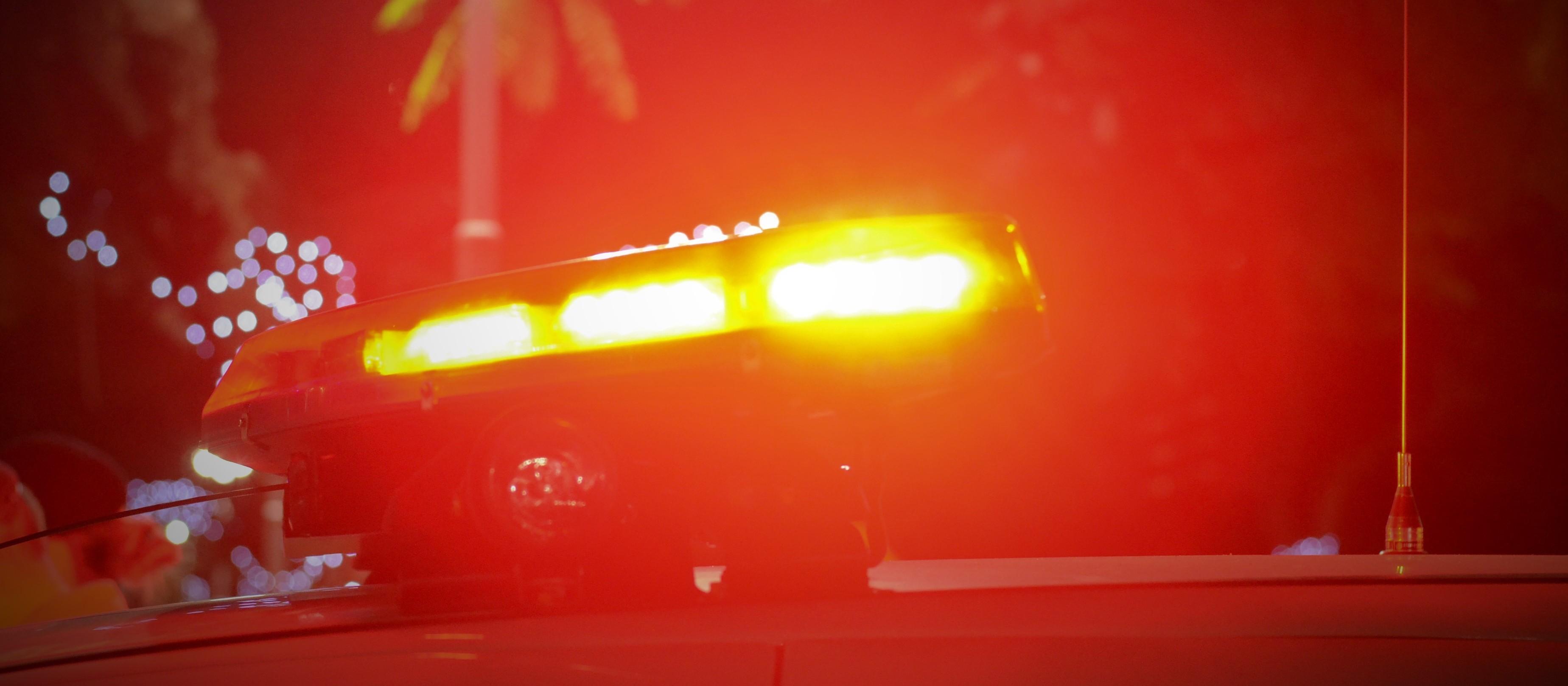 Em roubo a posto de combustíveis, assaltantes levam bebidas, camisinhas e motocicleta