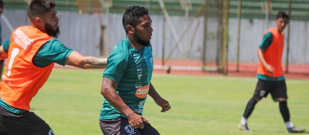 Com novo treinador, MFC enfrenta o Azuriz nesta segunda-feira (16)