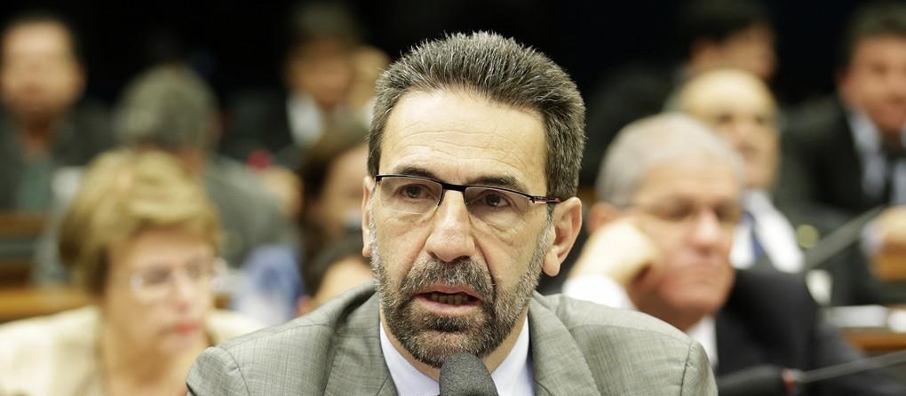 Lula permanece como nosso candidato à presidência da República, diz Enio Verri (PT)