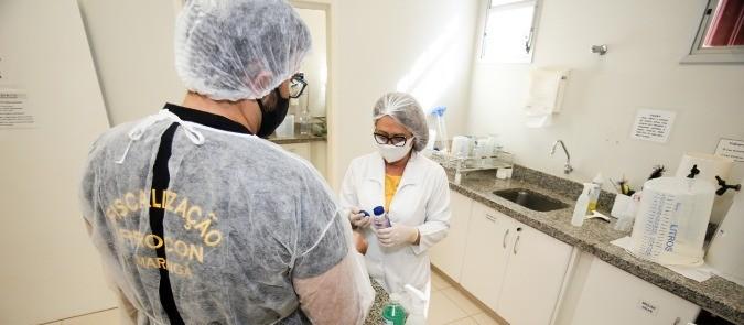 Procon recolhe álcool em gel reprovados em teste e notifica marcas