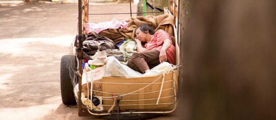 90% dos moradores de rua são de outras cidades