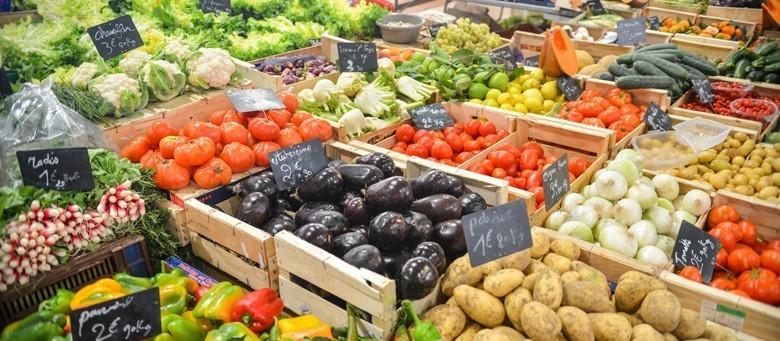 Não há risco de desabastecimento no país, diz associação da indústria de alimento