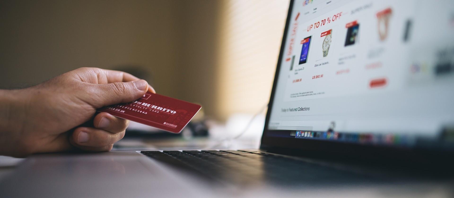 Pagamentos pela internet: boleto ou cartão?