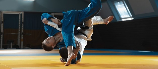 Academias de artes marciais reabrem na segunda-feira(1º), diz vereador