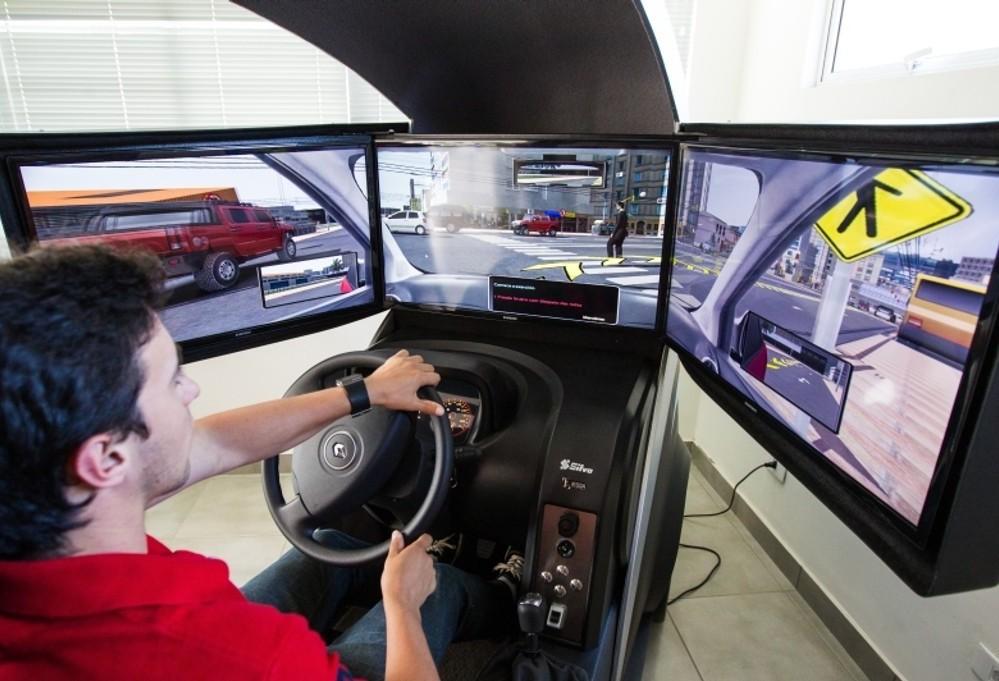 Sem uso do simulador, valor para 1ª CNH em Maringá reduzirá R$ 300