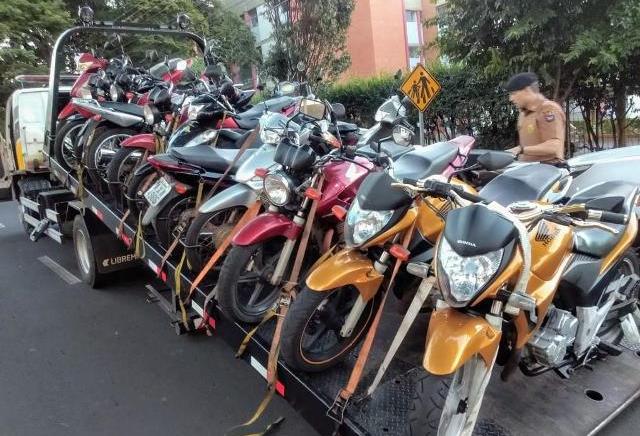 14 motocicletas são apreendidas durante blitz da PM