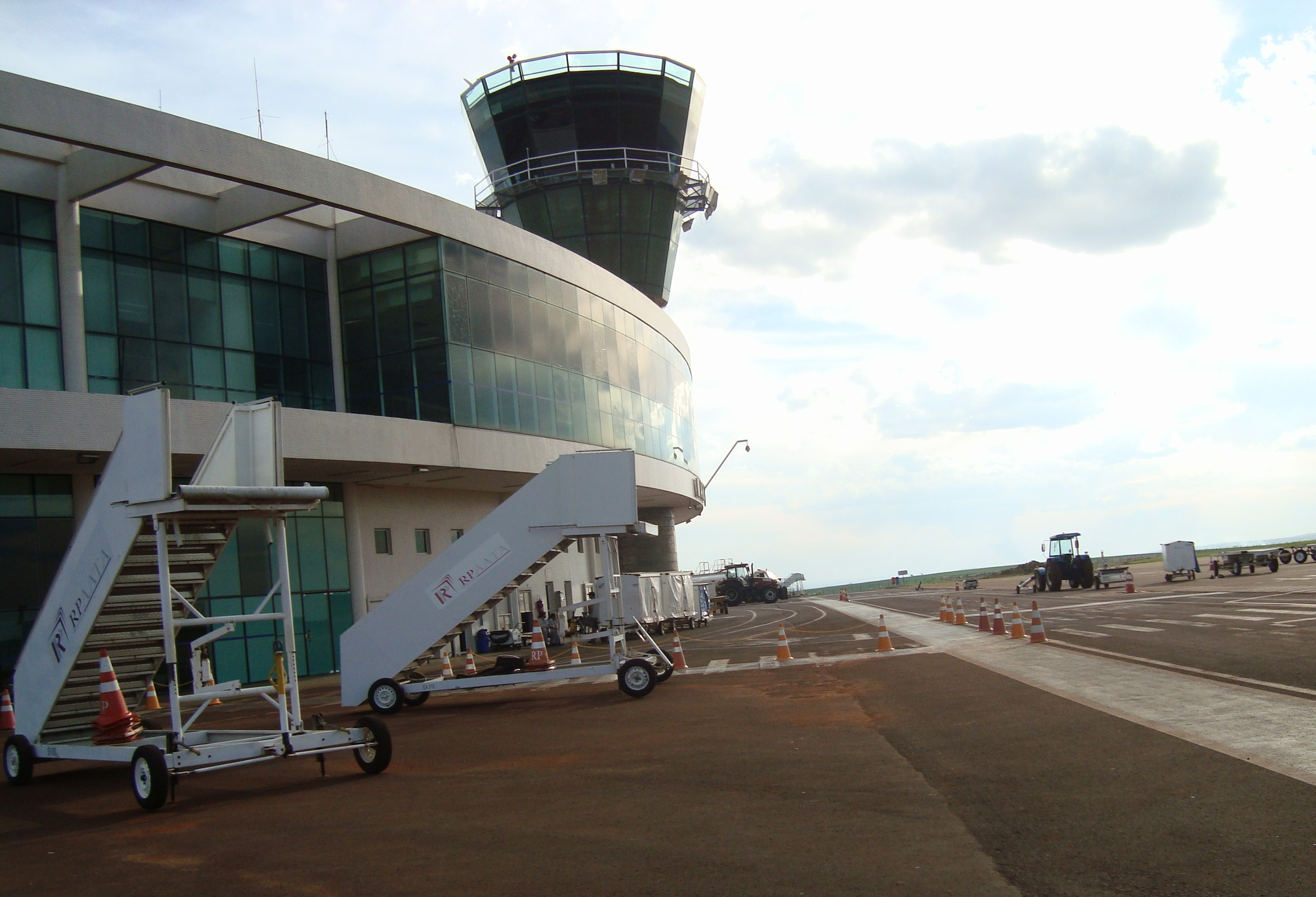 SAC autoriza abertura de licitação para ampliar aeroporto de Maringá