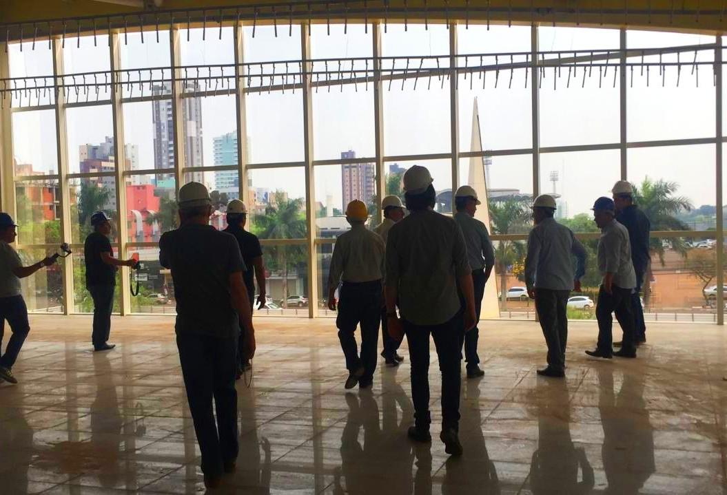 Prefeitura faz visita guiada em obra que deve ser inaugurada em novembro