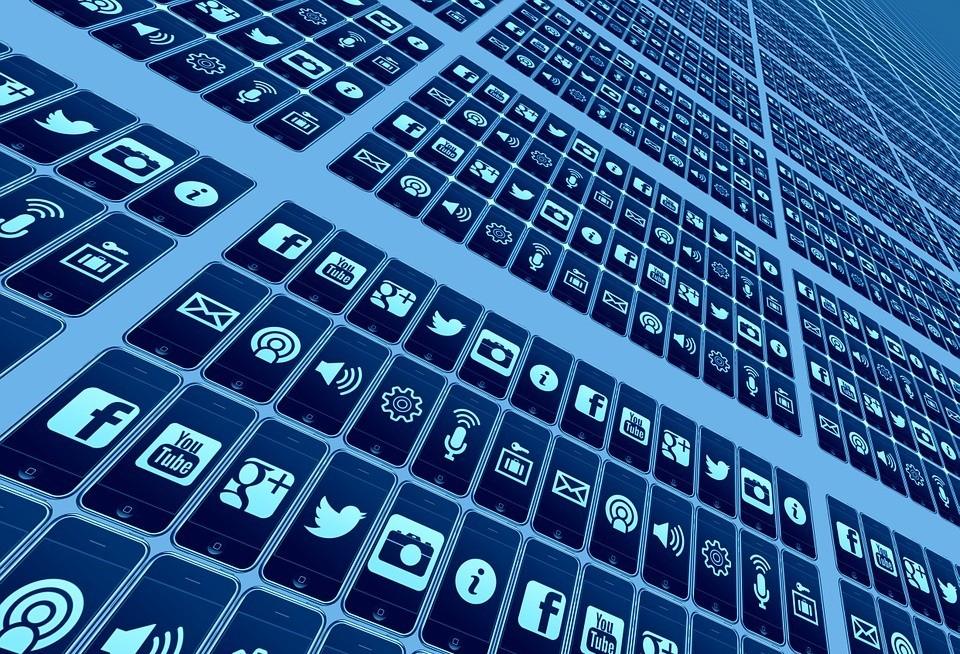 Plataformas buscam moderação para melhorar o ambiente nas redes sociais