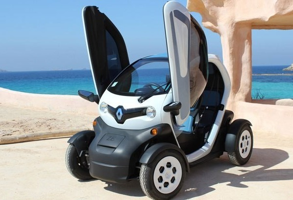 Empresa disponibiliza carros elétricos para órgãos do governo