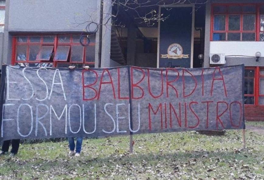Estudantes da UEM se mobilizam para paralisação desta quarta (15)