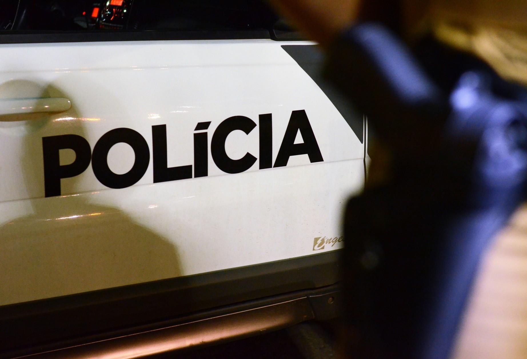 Após roubo, família é sequestrada e fica refém de assaltantes, diz PM