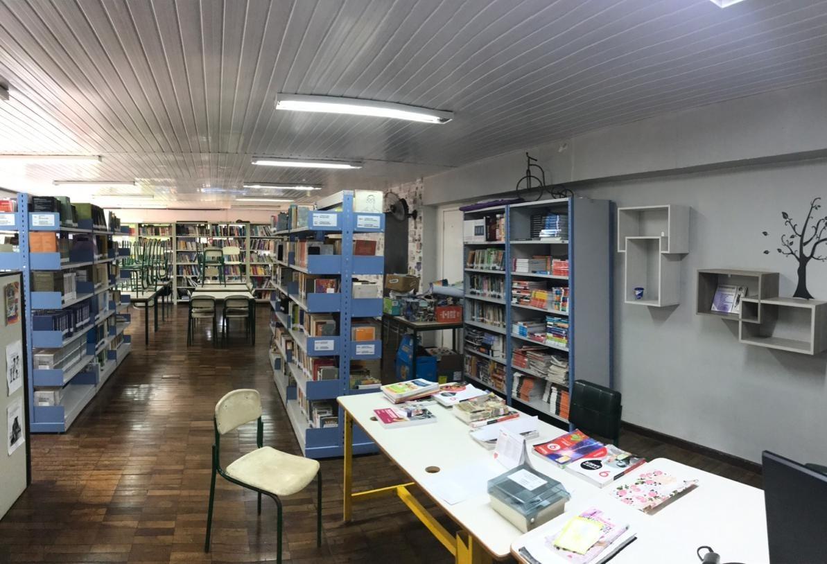 'Vaquinha' arrecada recursos para reformar biblioteca do colégio JK