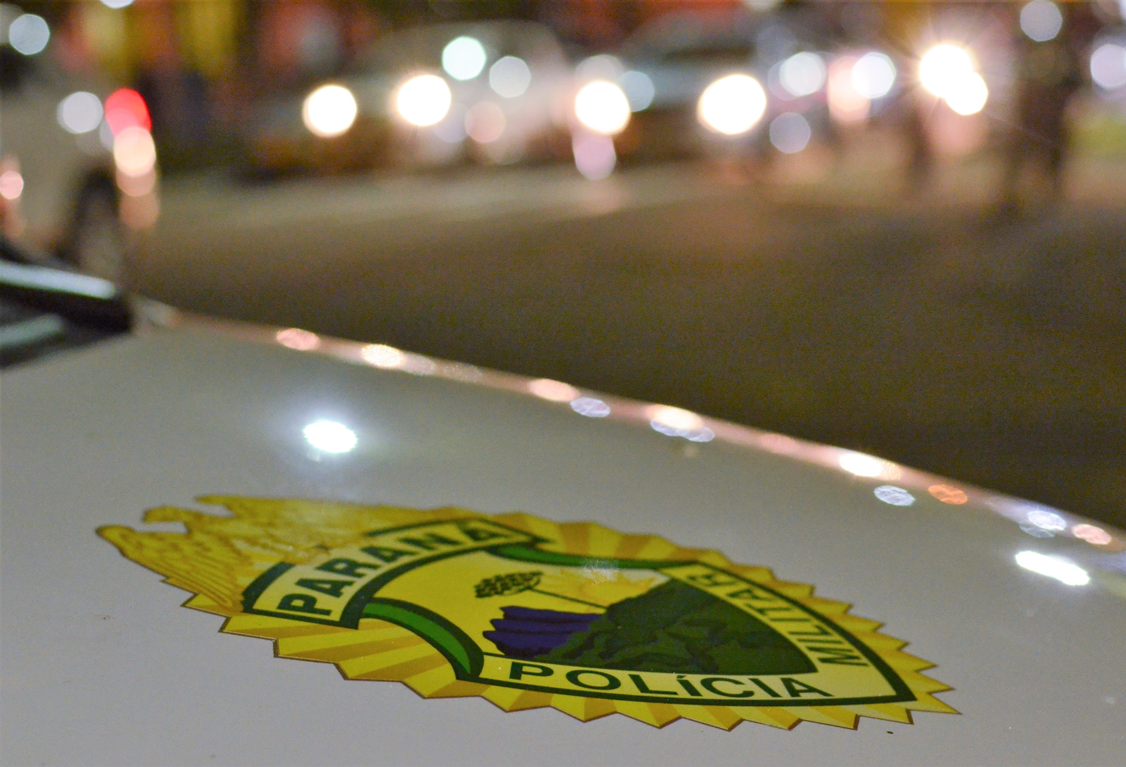 Ladrões roubam malotes de um carro-forte