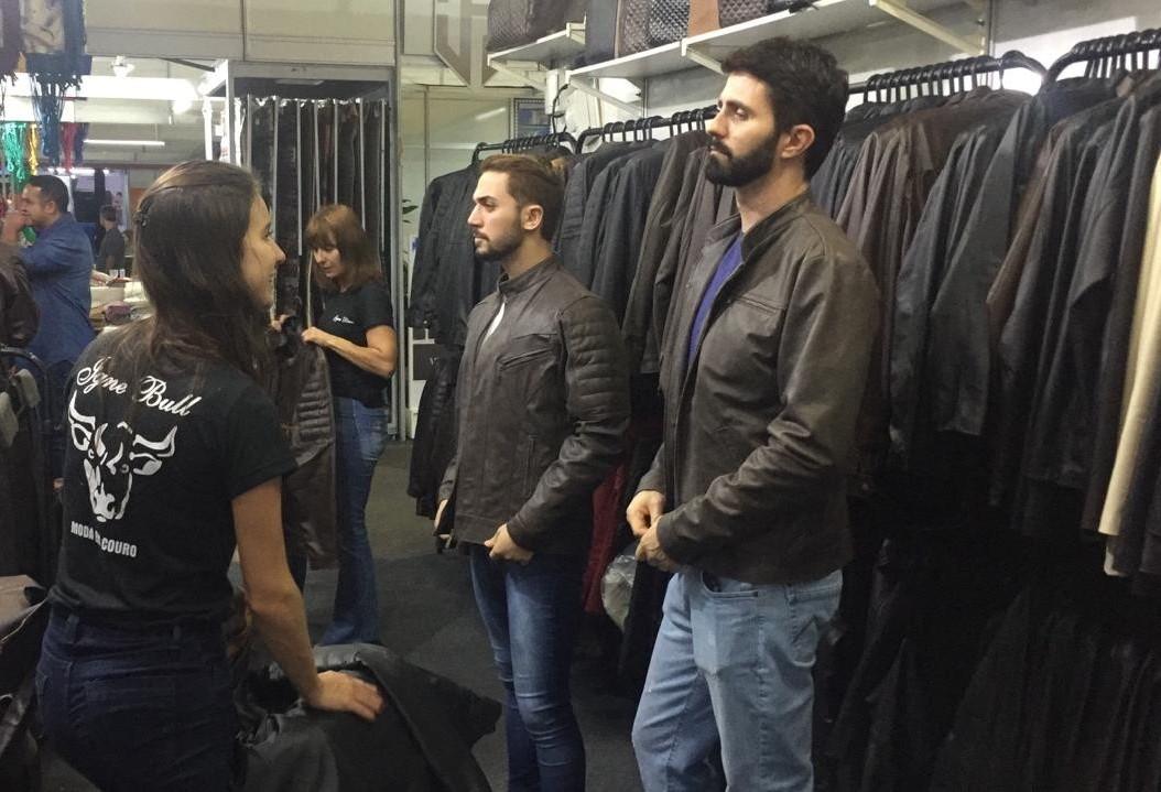 Expositores esperam chegada do frio para aquecer vendas de artigos de couro
