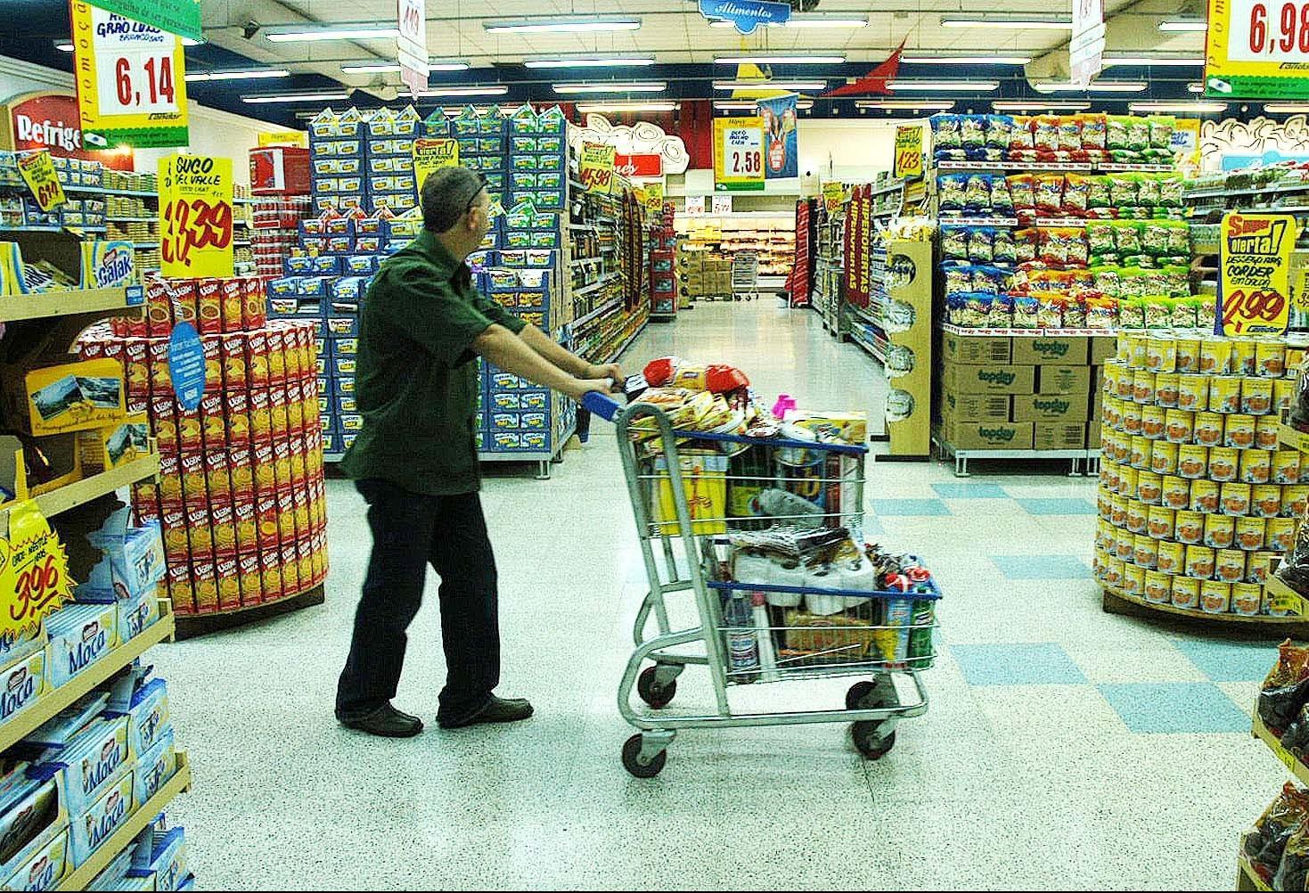 Gilson Aguiar: 'regulamentar abertura de supermercados é retrocesso'