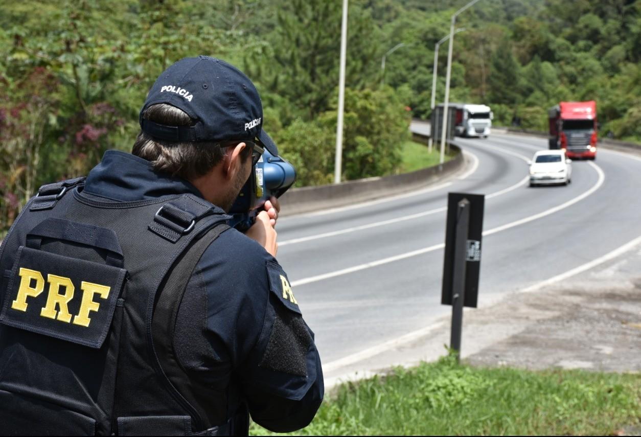 Uma pessoa morreu e 26 ficaram feridas nas estradas da região