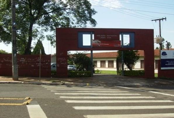 Fila para estudar no Colégio da PM de Maringá já tem 300 alunos