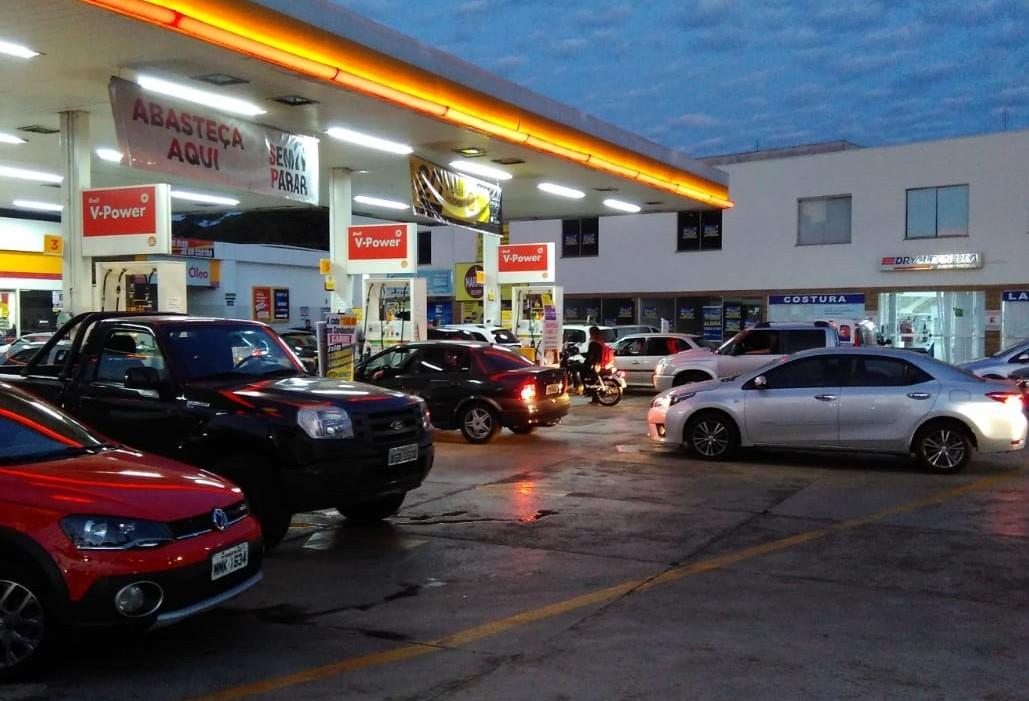 Postos de combustíveis ficam desabastecidos em Maringá