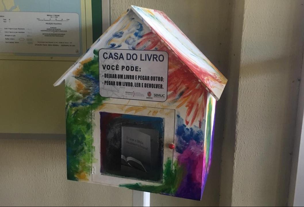 Em três meses, mais de mil livros circularam pela Casa do Livro