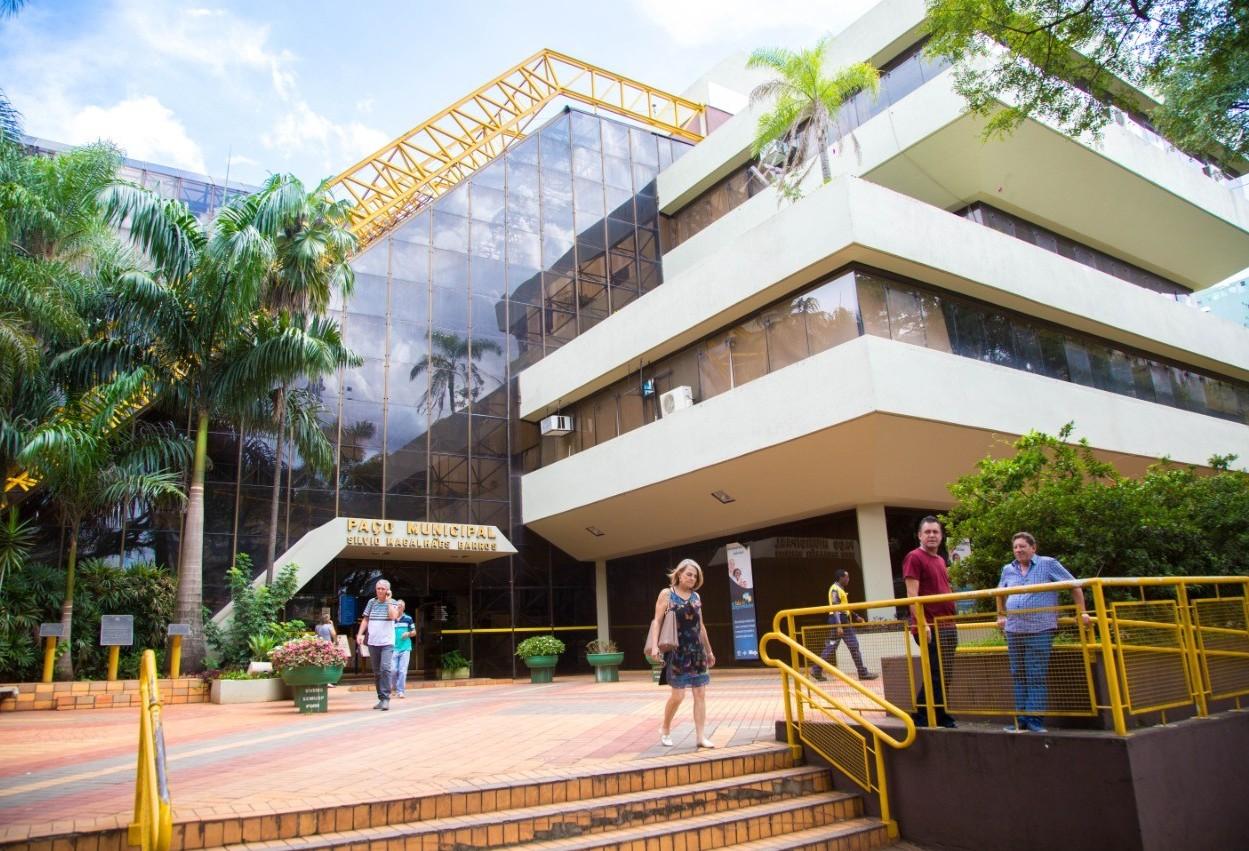 Servidores municipais de Maringá reduzem percentual de reajuste