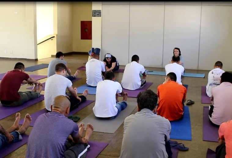 Prática de yoga pode ser implantada na Cpim