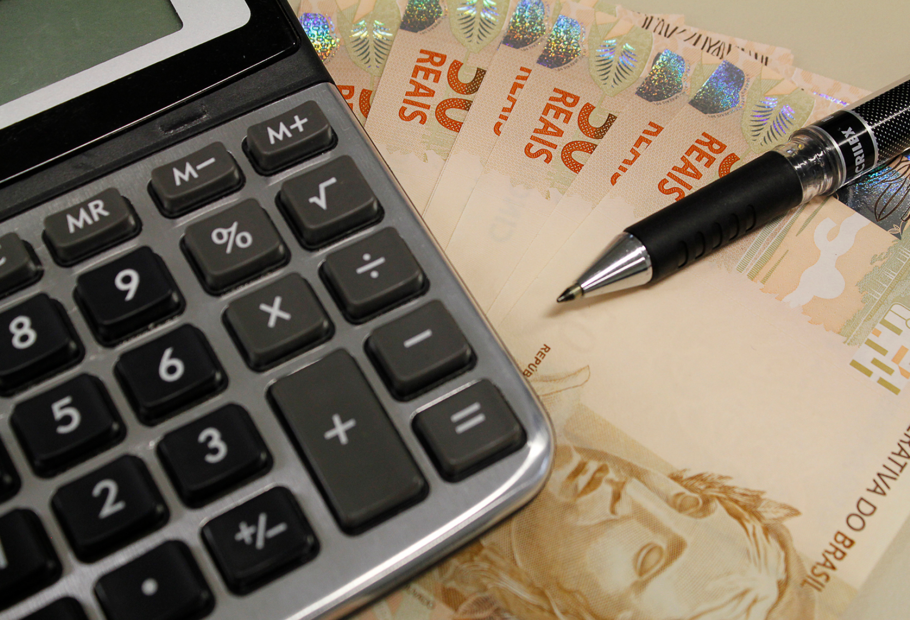 14 estados gastaram mais de 60% de seus recursos com a folha de pagamento