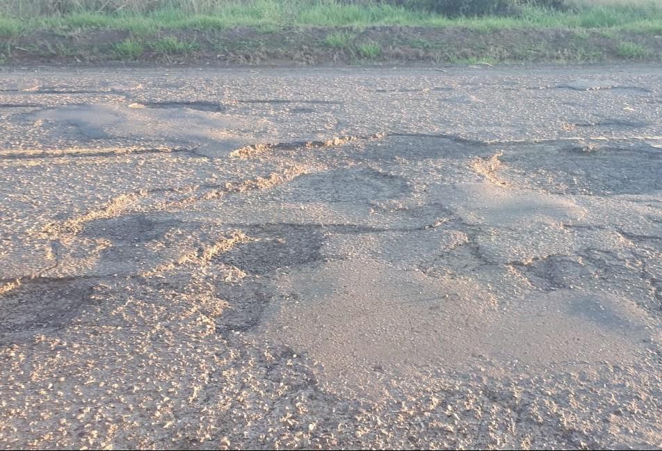 Motoristas relatam descaso com rodovia entre Colorado e Nova Esperança