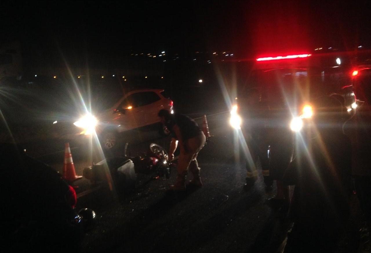 Motociclista fica ferido em acidente na BR-376