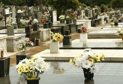 Semuc realiza city tour no cemitério de Maringá