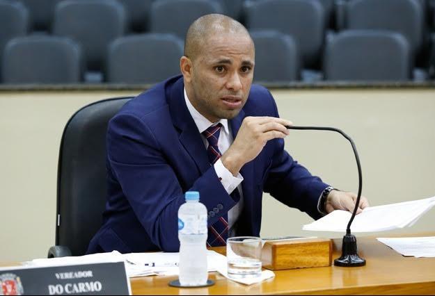 Vereador Do Carmo comenta possibilidade de suplente requerer vaga na Câmara