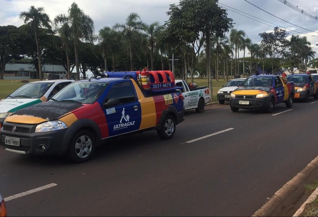 Revendas de gás fazem carreata em apoio aos caminhoneiros