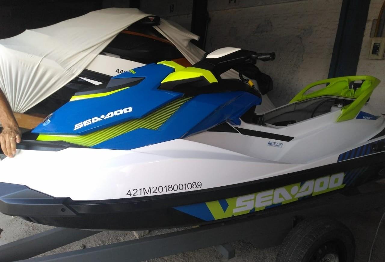 Jet ski furtado em loja de Maringá é apreendido em SC