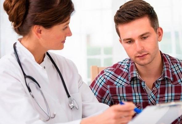 Vereador quer que homem faça exames durante o pré-natal da mulher