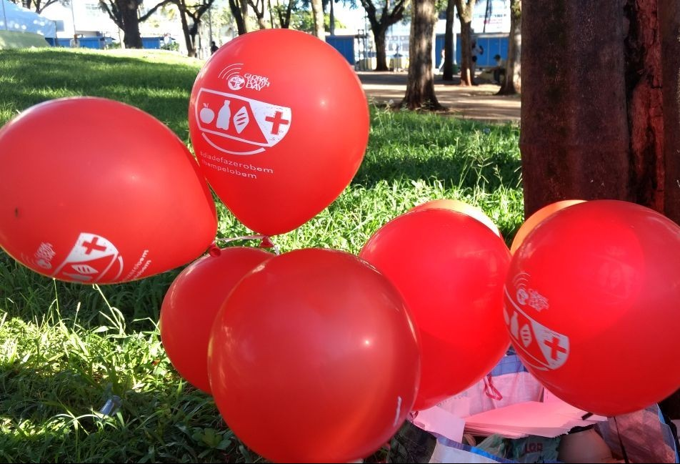 Jovens adventistas realizam 20 ações do bem em Maringá