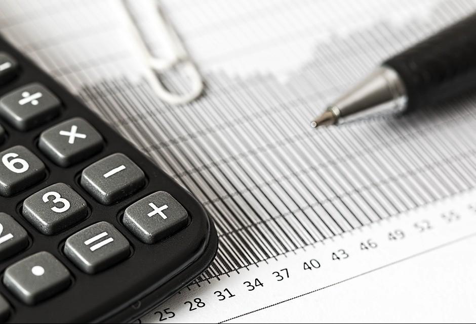 Taxa de juros estabiliza em 6,5% para conter a inflação