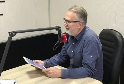 Álvaro faz reunião em busca de apoio suprapartidário à sua candidatura a presidente