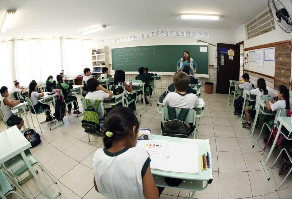 83% dos servidores da Educação não querem câmeras em salas de aula