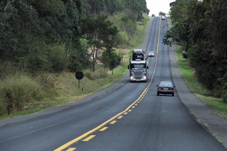 Movimento nas estradas é bem menor na comparação com outros feriados