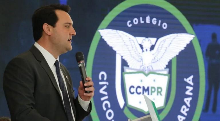 """""""Educação no Paraná busca projeto inovador com colégios cívico-militares"""""""