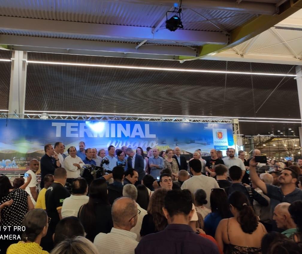 Com ato político, novo terminal de Maringá é inaugurado