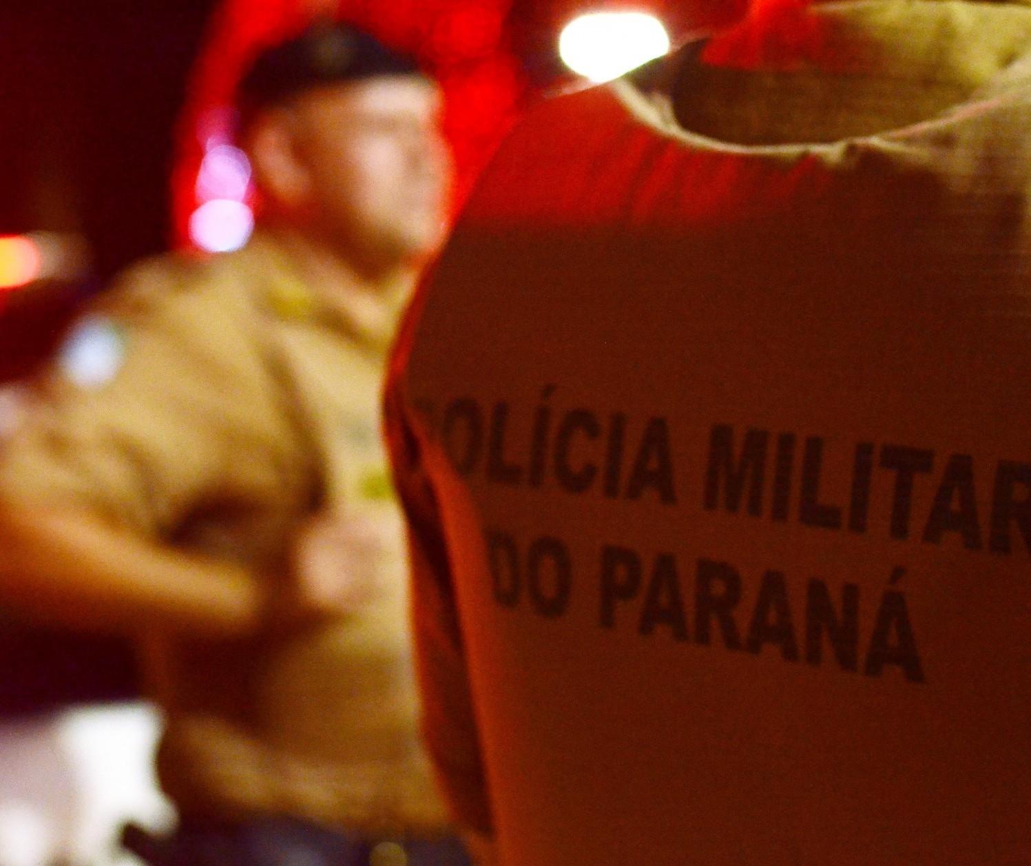 Homem é morto com 14 tiros perto de tabacaria no Jardim Itaipu